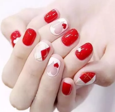Charming Nail Art Designs For Short Nails