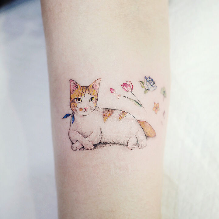 43 Amazing and Tiny Tattoos You Can Try; colorful tattoos; thick tattoos; small shoulder tattoos; flower tattoos; minimalist tattoos; simple tattoos; meaningful tattoos.