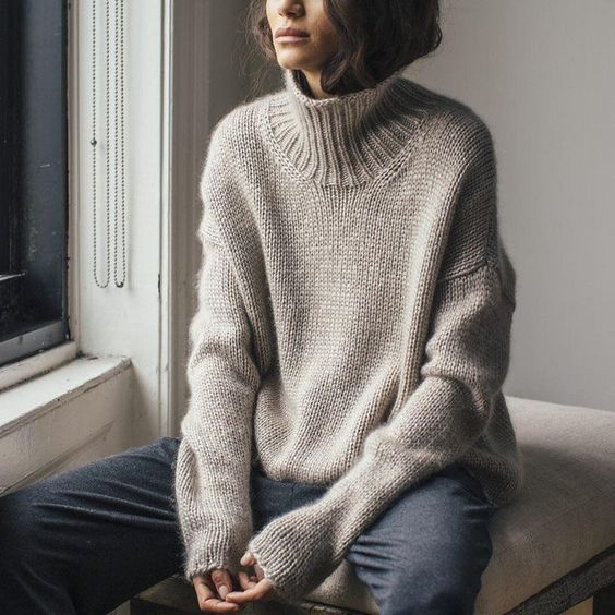 25 Trendy and Cozy Sweater Outfits for Girls