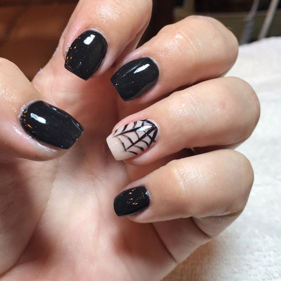 20+ Cool Halloween Look for Short Nails - SeShell Blog