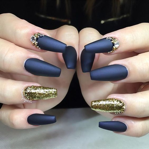 30+ Charming Matte Nail Designs To Try This Fall; Nail designs fall; matte nails for long or short nails; acrylic matte nails; coffin matte nails; round matte nails; ombre matte nails.