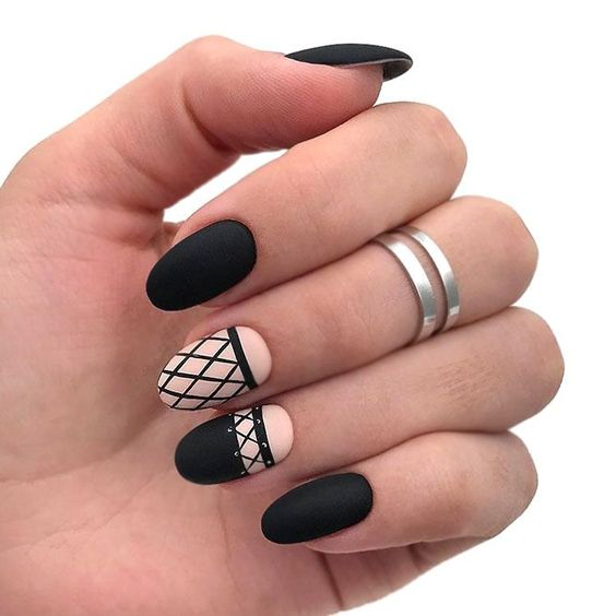 36 Perfect And Outstanding Nail Designs For Winter 2018 Page 25 Of