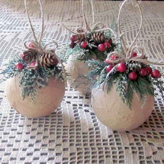 Holiday decorations & crafts; driftwood Christmas trees; xmas crafts for kids; Simple Christmas craft; DIY Christmas tree ideas.