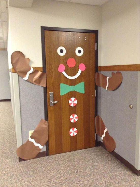41 Cute Christmas Door Decoration Ideas for Your Holiday ...