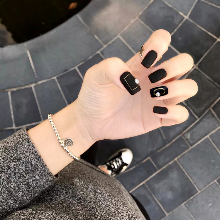 30 ATTRACTIVE MATTE BLACK NAIL IDEAS FOR 2018