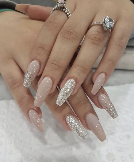 Christmas acrylic nails; winter coffin nails; fall acrylic nails; Medium/long coffin acrylic nails; Glitter Nails, Nägel, Pink Nails, Acrylic Nails.