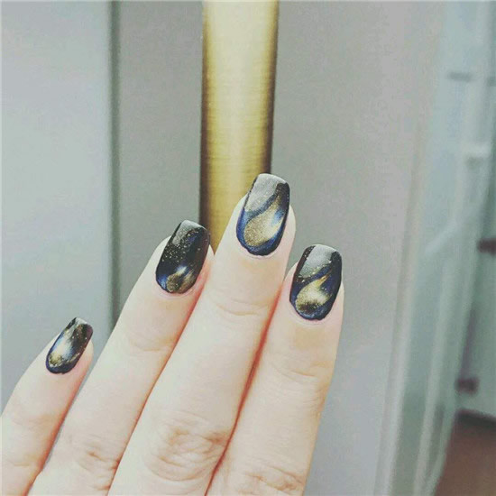 2019 popular cat eye nail art pictures