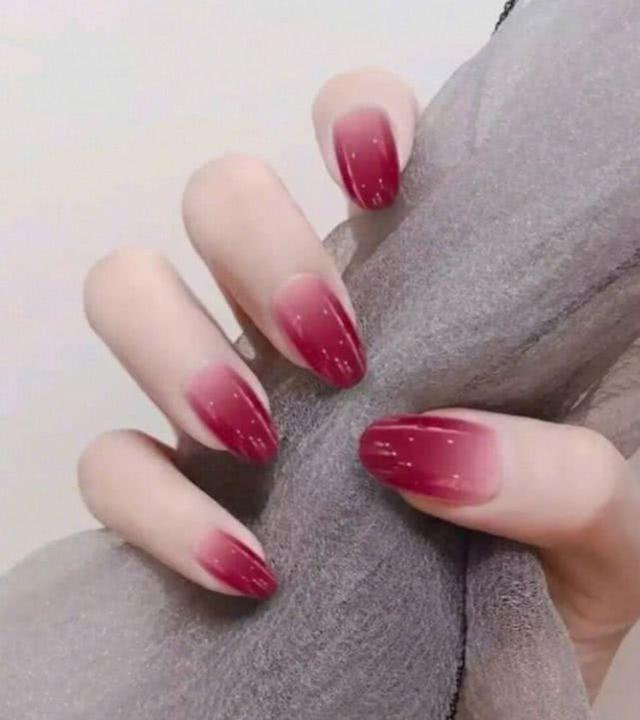 33 nails and stylish girls are more matching