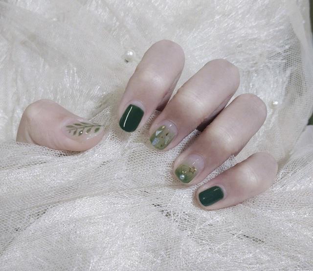 44 Eye-catching Minimalist Nail Art Ideas For Summer 2019 summer nails, Korean nail art, nail trend 2019, simple manicure, short nail art design